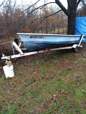 14ft Fishing boat for Sale in Riverdale, MD