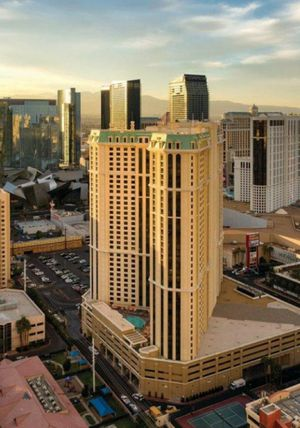 Las Vegas Marriot Grand Chateau Luxurious Accomodations Accross from Planet Hollywood for Sale in Bell Gardens, CA