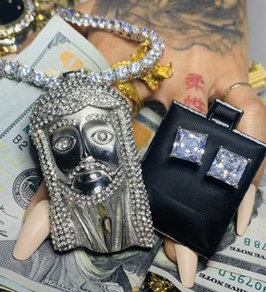 22k stainless steel jewelry set with lab diamonds for Sale in Las Vegas, NV