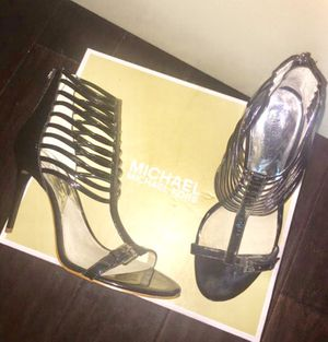 MICHAEL KORS ( MK ) size 7.5 Black for Sale in Dallas, TX