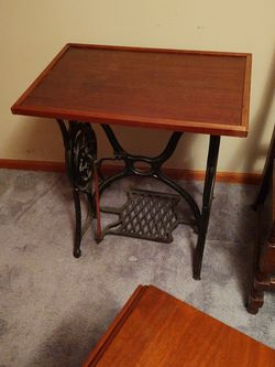 Antique Singer Sewing Table for Sale in Rustburg,  VA