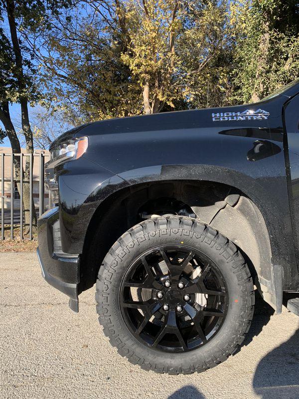 "New 20"" Black honeycomb Chevy / GMC Rims And New Tires 20 Wheels 20s Negros honey Comb Rines y llantas Chevrolet Silverado Tahoe Avalanche GMC Sierra"