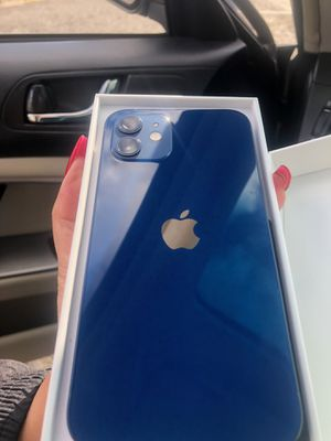 iPhone 12 version for Sale in Clackamas, OR