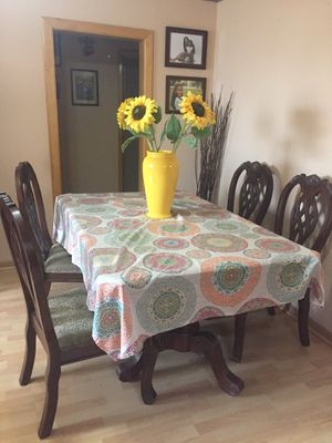 Table & chairs for Sale in US