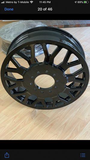 28s dually wheels for Sale in Lynwood, CA