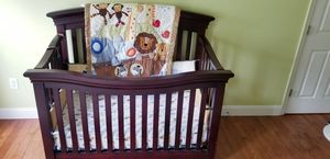 Baby crib (wooden) for Sale in Hightstown, NJ