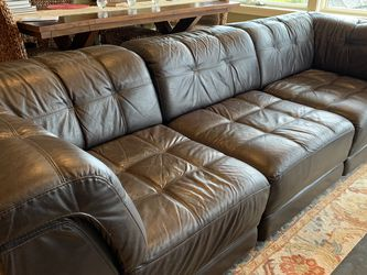 Leather Couch: Sectional + Extra Seat & Ottoman for Sale in Seattle,  WA