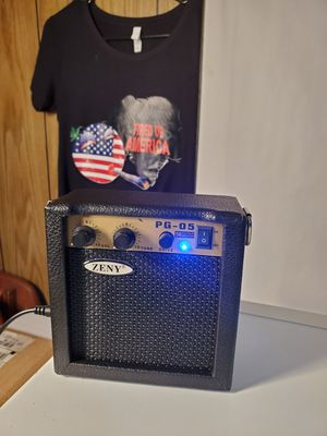 **PLEASE READ POST** Portable and Compact Size Guitar Amplifier, Lightweight - 5W Power Consumption, with Belt for Sale in Saint Charles, MD