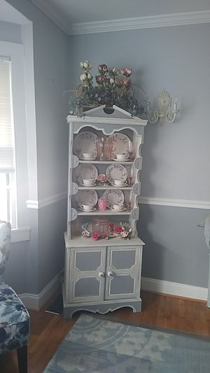 Vintage China Hutch for Sale in KIMBERLIN HGT, TN
