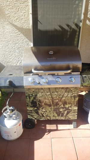 Bbq grill, cover, tank and canopy for Sale in Las Vegas, NV