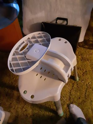 Bathtub Chair for Sale in Pueblo, CO