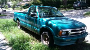 1995 Chevy S10 6 Cyl 4.3 Vortec Auto Pickup for Sale in Tampa, FL