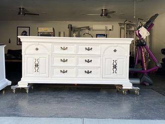 Thomasville Farmhouse White Dresser for Sale in San Dimas,  CA