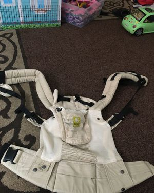 Lillebaby Baby Carrier for Sale in Chicago, IL