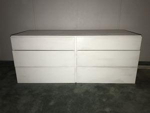 White wooden dresser for Sale in Sumner, WA