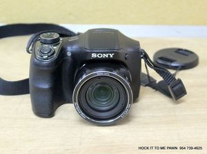 Sony Cyber-shot 20.1MP 26x Optical Zoom Digital Camera DSC-H200. Inludes Sony Camera Bag for Sale in Tamarac, FL