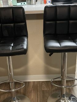 2 Bar Stools Black Faux Leather for Sale in Tacoma,  WA