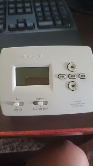 Honeywell programmable thermostat for Sale in Beaverton, OR