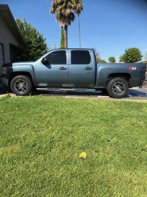 2010 Chevy 4x4 Silverado for Sale in Manteca, CA