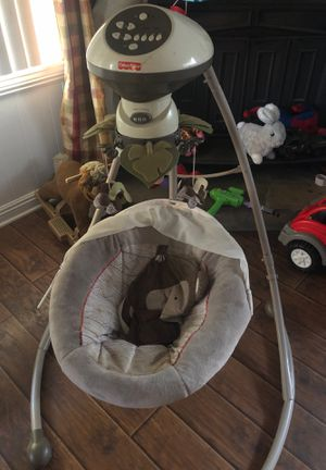 Baby car seat and swing for Sale in Perris, CA