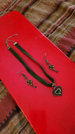 Crystal Necklace and earings for Sale in Goddard,  KS