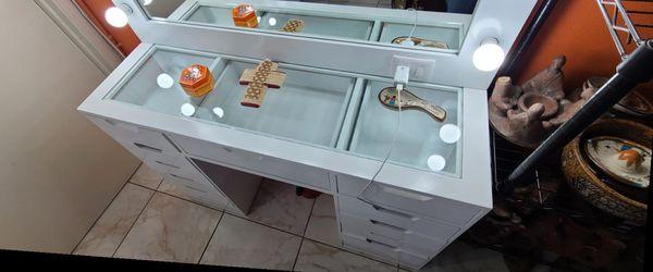 vanity set for Sale in Ontario,  CA