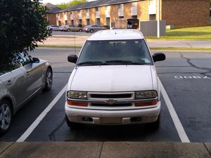 04 Chevy Blazer for Sale in E FAYETTEVLLE, NC