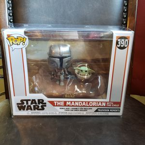 Funko Pop MOVIE MOMENTS THE MANDALORIAN WITH THE CHILD (Pop Protector) for Sale in Ontario, CA