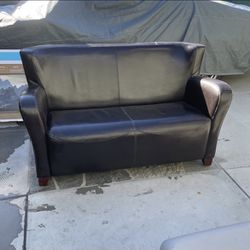 Dark Brown Couch for Sale in Long Beach,  CA