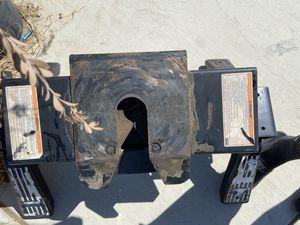 Reese 5th wheel 16k rail type for Sale in Riverside, CA