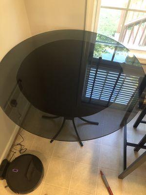 Kitchen table/Round glass top table for Sale in Glen Allen, VA