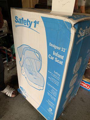 Safety 1st designer car seat sealed for Sale in Elgin, IL