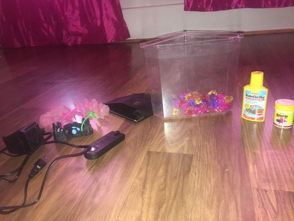 Small fish tank with Accessories led light fish food and water drops
