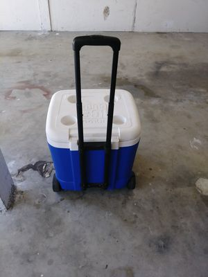 Igloo cooler / ice chest for Sale in Hermosa Beach, CA