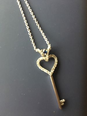 Vera wang sterling silver necklace for Sale in Manassas, VA