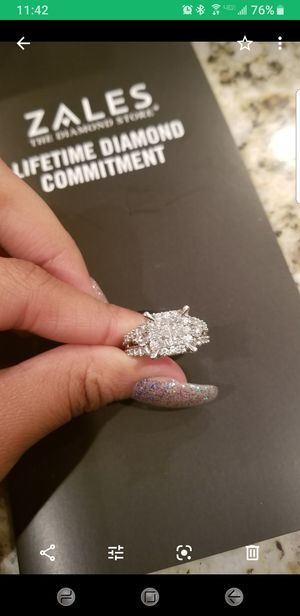 BRAND NEW 4CT WEDDING SET FOR SALE for Sale in Maumelle, AR