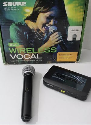 Shure wireless microphone for Sale in Palm Springs, FL