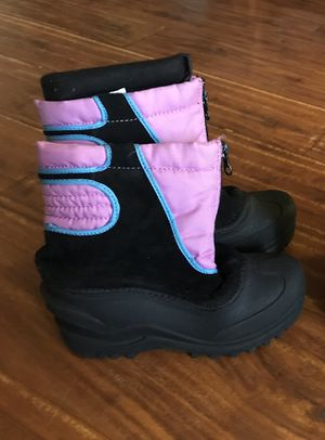 Girl snow boots size 13 for Sale in Vista, CA