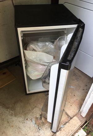 Aficionado refrigerator for Sale in Sterling, VA
