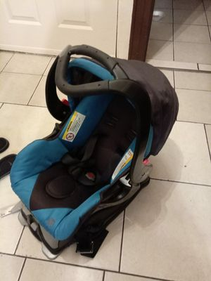 Baby trend car seat for Sale in Staten Island, NY