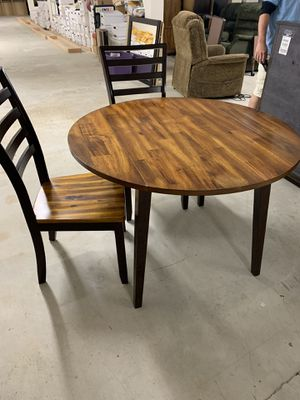 kitchen table with drop leaves for Sale in Toms River, NJ