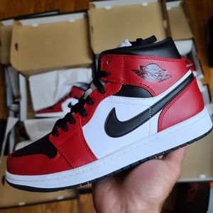 Jordan 1 Chicago toe multiples sizes available for Sale in Orland Hills, IL