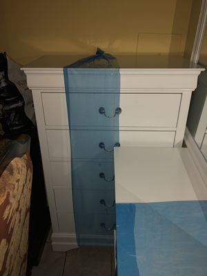 White brand new wooden 2-drawer set! Includes mirror for Sale in Hyattsville, MD