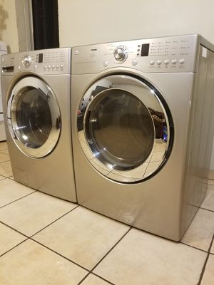 BEAUTIFUL LG WASHER AND ELECTRIC DRYER LARGE CAPACITY STACKABLE 90 DAYS WARRANTY for Sale in Glendale, AZ