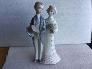 Lladro Bride and groom figurine for Sale in El Cajon, CA