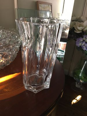 Heavy crystal vase for Sale in Potomac, MD