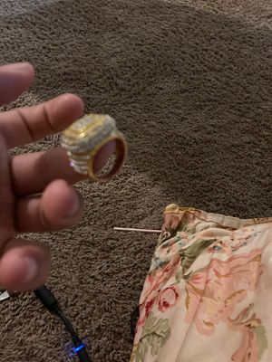 18k gold ring with real diamonds for Sale in Palm Bay, FL