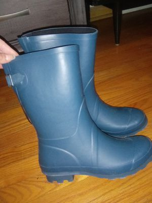 Womens rain boots size 8 for Sale in Chicago, IL