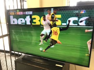 Samsung UN55HU6840 55-Inch 4K Ultra HD 60Hz Smart LED TV (2014 Model) layaway is only 90$ down for 550$ for Sale in Austin, TX