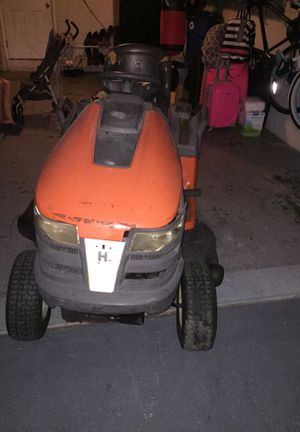 Lawn mover / tractor for Sale in Oviedo, FL